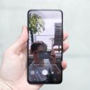 Samsung работает над безрамочным смартфоном с камерой под дисплеем