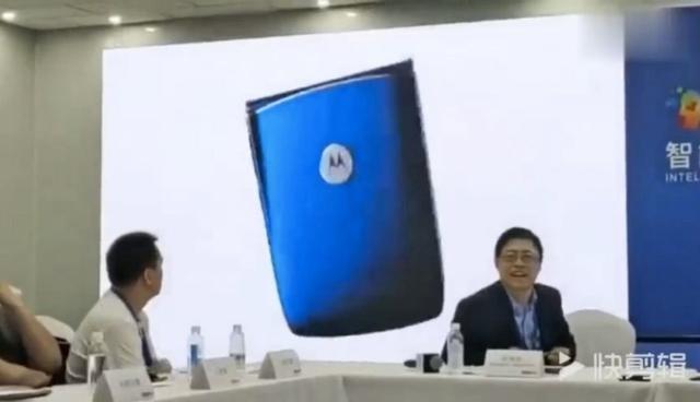 Lenovo выдала фанатский ролик со смартфоном Motorola RAZR за свой собственный