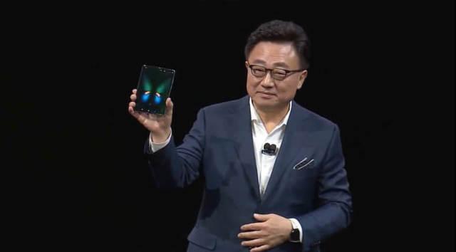 Гендиректор Samsung пообещал не затягивать с релизом Galaxy Fold