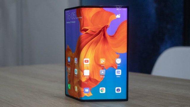 Гендиректор Huawei пообещал складные смартфоны за 500 евро