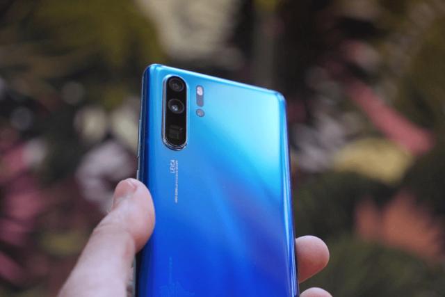 Huawei P30 Pro, Samsung Galaxy S10+, Google Pixel 3: чья камера делает лучшие ночные снимки?