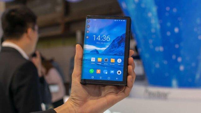 Складной смартфон от Xiaomi за 1000 долларов: смех сквозь слезы