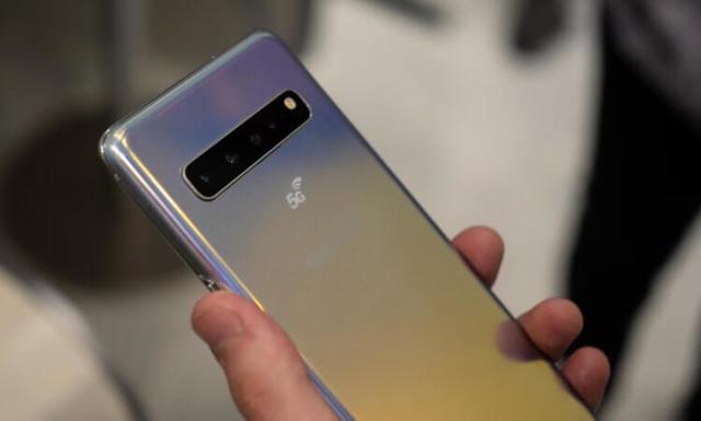 Galaxy S10 5G сравнялся с Huawei P30 Pro по качеству съемки