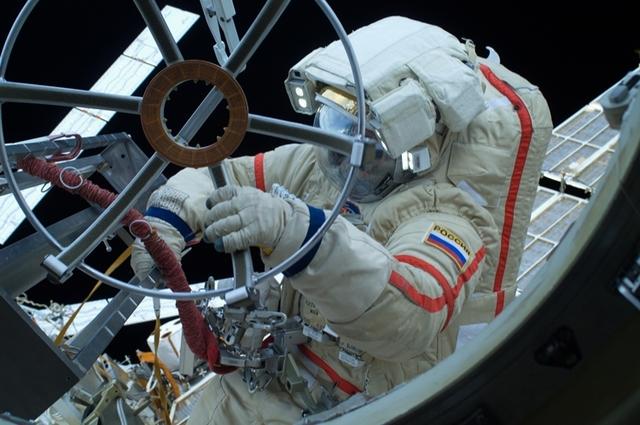 Российские космонавты могут получить модульный скафандр